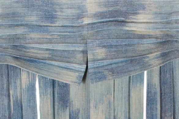 Részlet Makkai Márta textilművész Kék palást című munkájából.