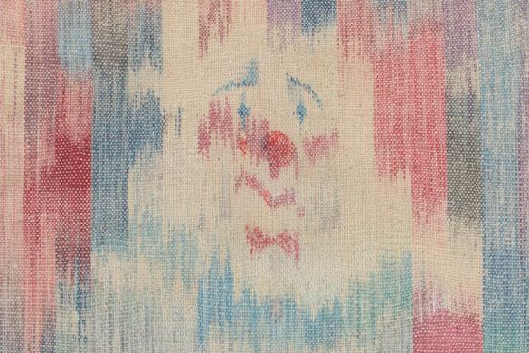 Részlet Makkai Márta textilművész Öreg bohóc című ikatjából.